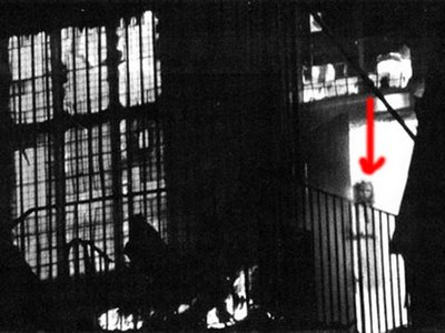 http://dianaruntu.files.wordpress.com/2010/02/ghost_pictures_007.jpg