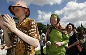 demo masyarakat albino di Dar es Salaam