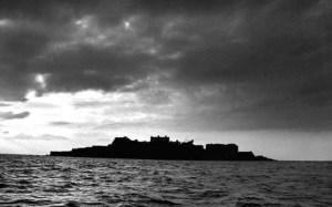 Gunkanjima Pulau Hantu di Tengah Laut