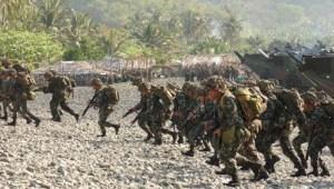 Masing-masing negara yang terlibat sengketa membangun pangkalan militer di pulau-pulau itu