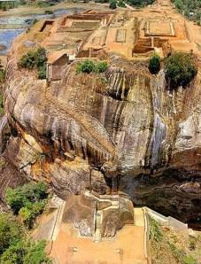 Dibangun pada masa pemerintahan Raja Kassapa I 477-495 AD