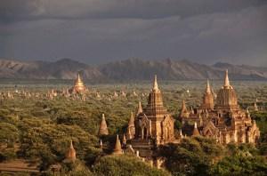 Bagan di Birma (sekarang Myanmar)