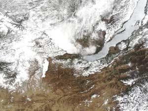 Misteri Lingkaran Lempengan Es di Danau Baikal